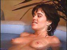 lesbian-sex-scenes-mia-zottoli