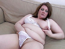 Lovely Moans As Mature Bbw Lesbian Pussy Is Licked