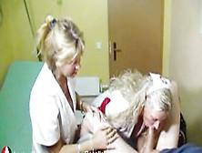Laura Teen und Milf Rosella in der Sperma Hölle